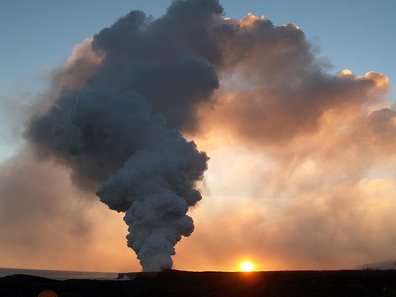 Volcanoes National Park - Sunset at new lava flow