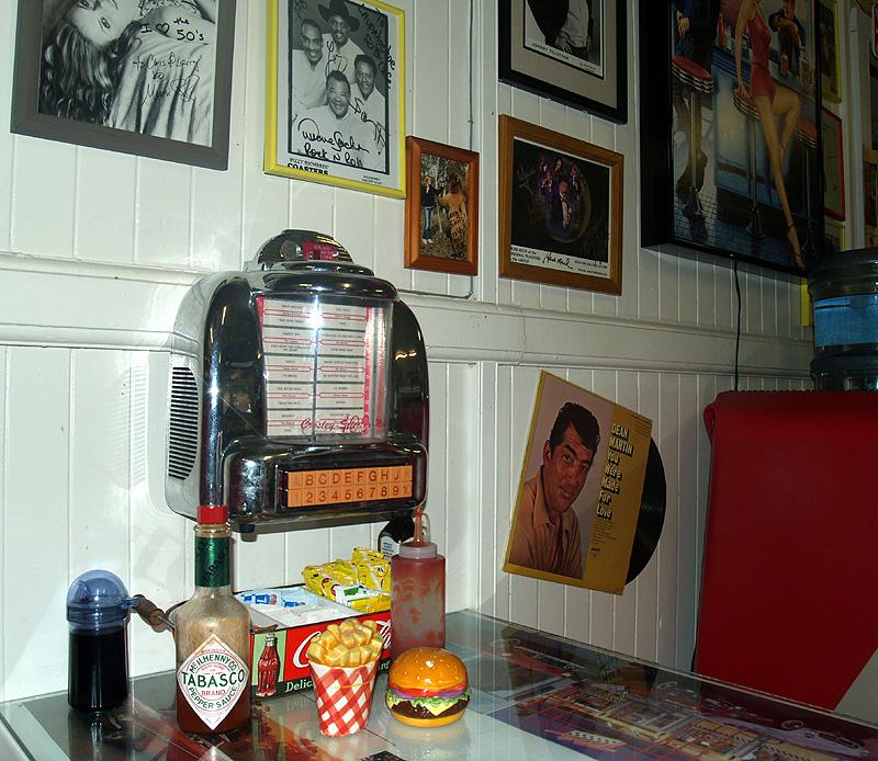 50's Fountain Cafe - interior 5