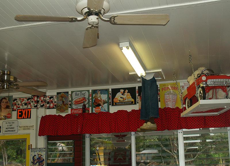 50's Fountain Cafe - interior 2