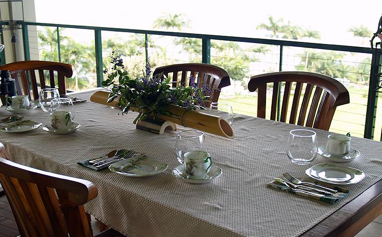 Onomea Tea - Terrace Setting