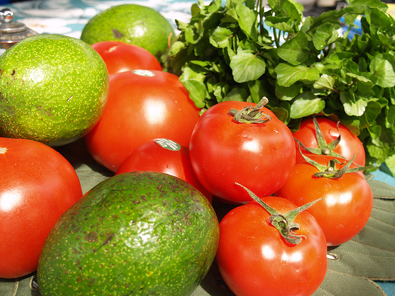 Kinoole Market - Tomatoes, Avos and Watercress