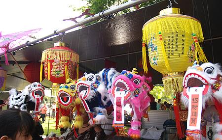 CNY-11 - Lanterns & Puppets