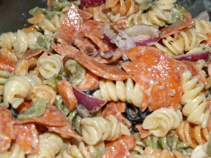 Kolekole Epicurians - Chris' & Jenn's Pasta & Pepperoni Salad