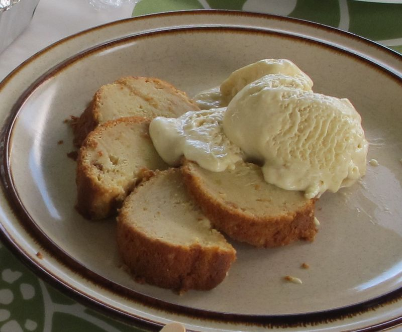 'Ulu Pound Cake w 'Ulu Ice Cream 1
