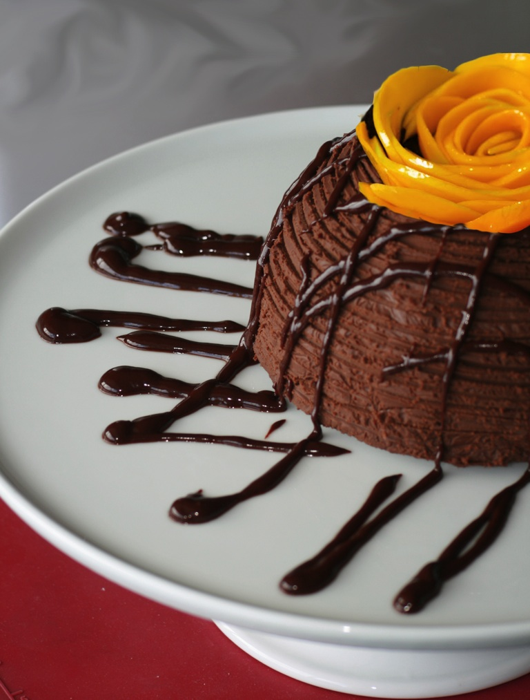 Mango chocolate truffle cake - Hector's photo
