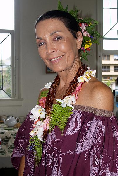 Lei Day - Queen Hokulani Fo 2