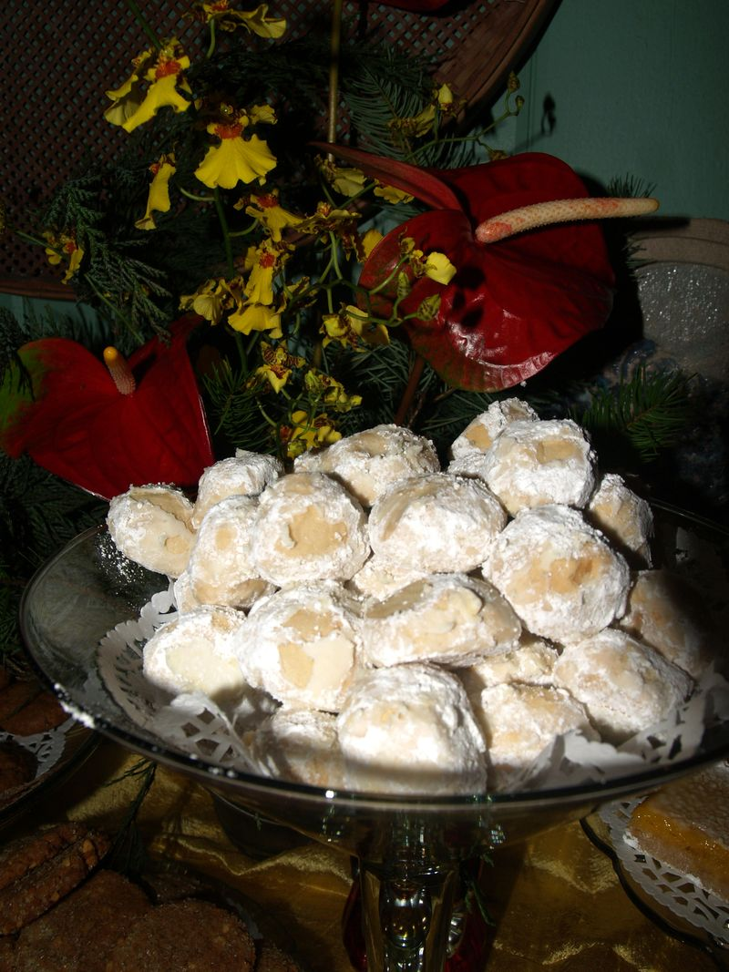 Christmas Party 2012 - Cookie X - Macadamia Snowballs