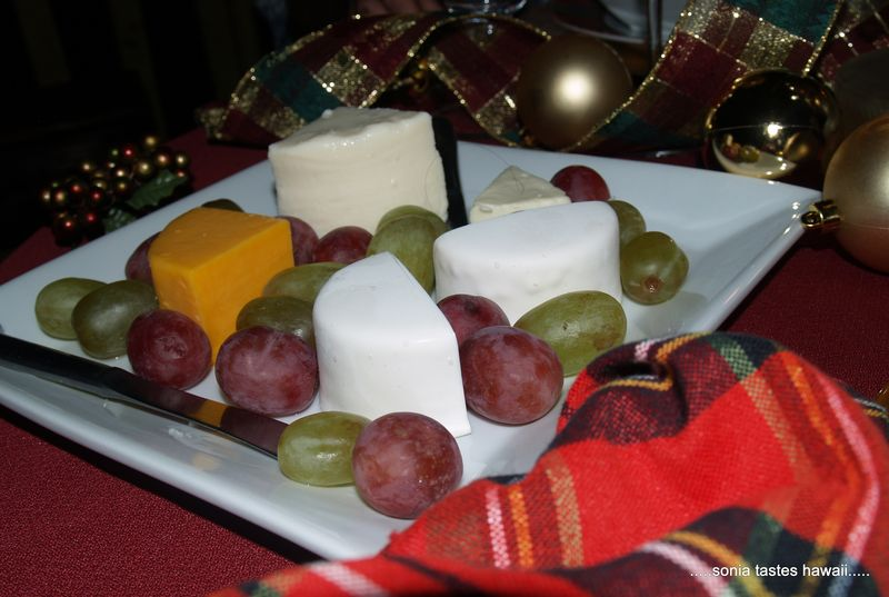 Auld Lang Syne Appt - cheese & grapes