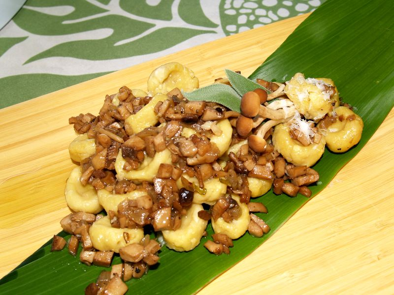 Breadfruit 2012 - 'Ulu Gnocchi w Hamakua Mushroom Ragout