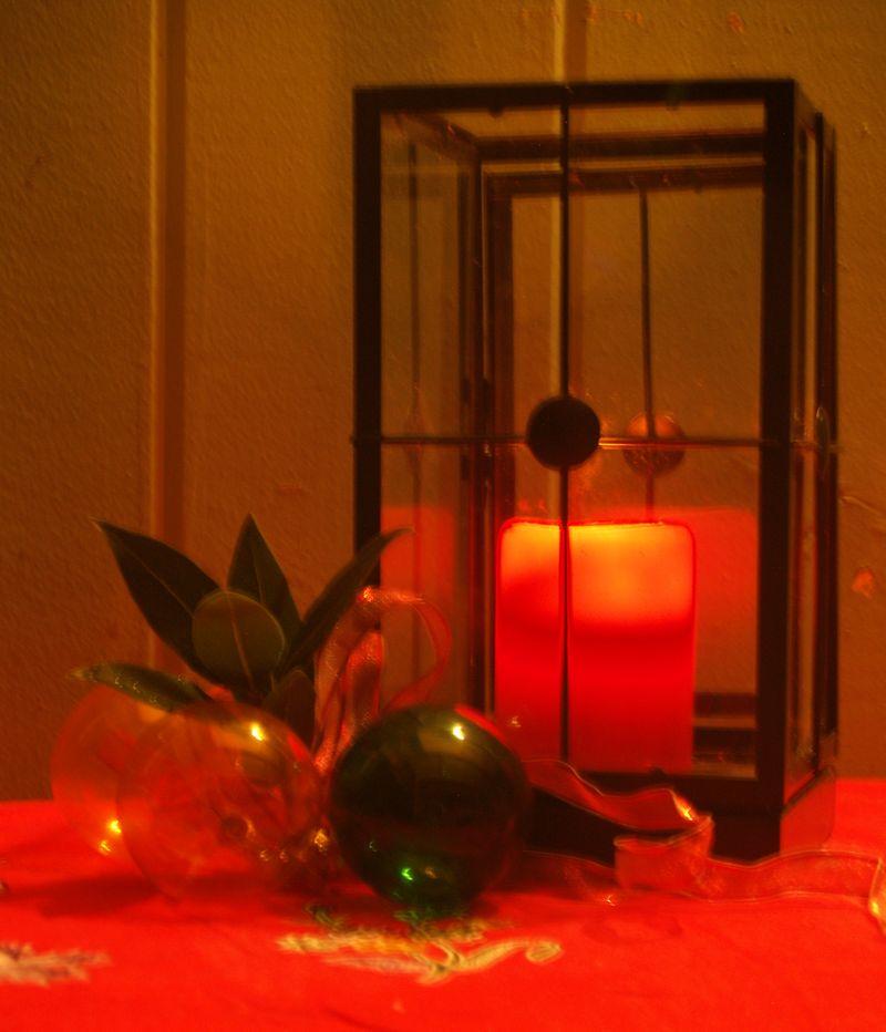 Christmas 2012 - outside lantern 2