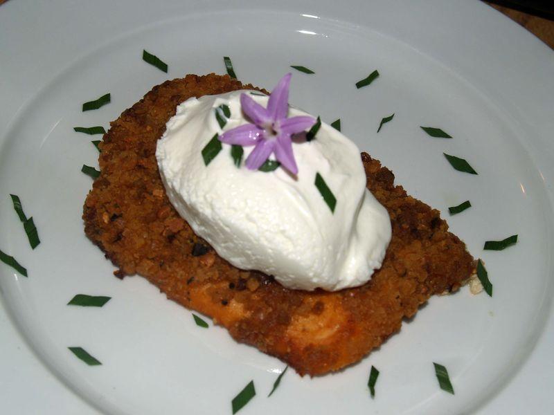 Crème Fraîche & Salmon Pattie