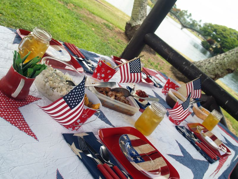 Memorial Day - setting w food 4