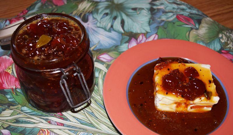 Tomato - onion jam 2 sm