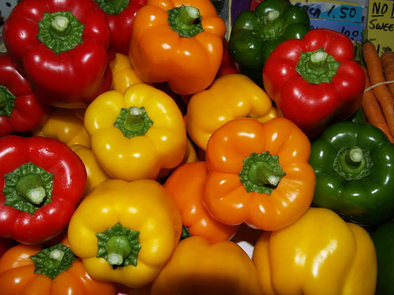 Hilo Market - Multi-colored peppers 2 - sm