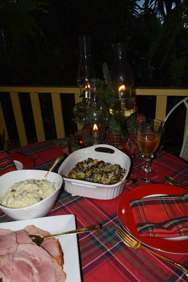 Xmas day 16 - table and food 2