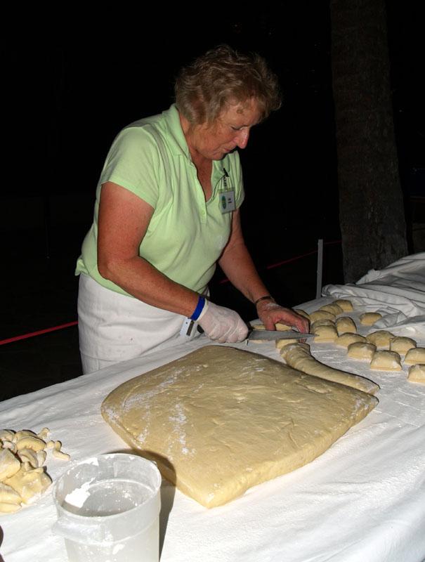 A Taste - Tex's Drive In - Ada Pulin cutting the dough