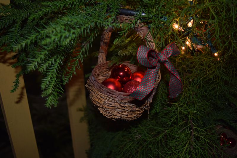 XMAS 14 - tree baskets