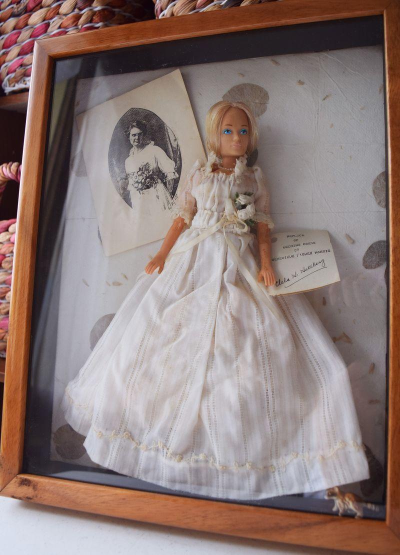 Granmolie's Wedding Dress Doll sm