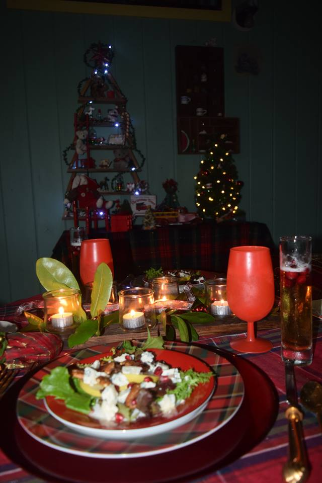 Xmas 18 - table and back ground