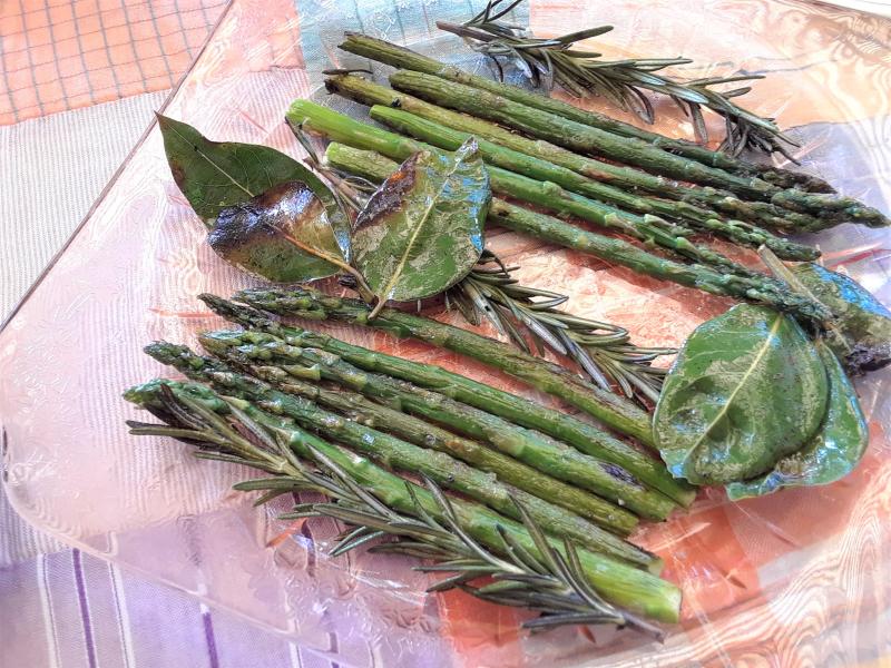 Easter 19 - braised asparagus (2)